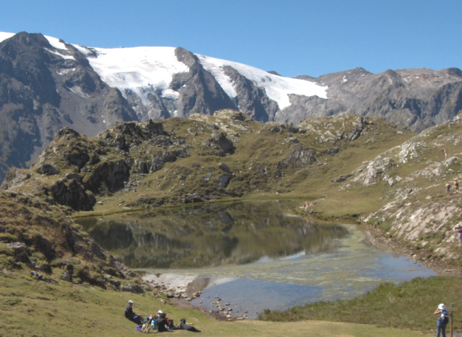 Les Écrins à pied :  à la rencontre des cimes et des glaciers