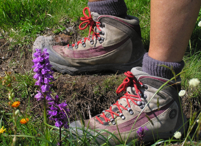 Comment bien lacer les chaussures de randonnée