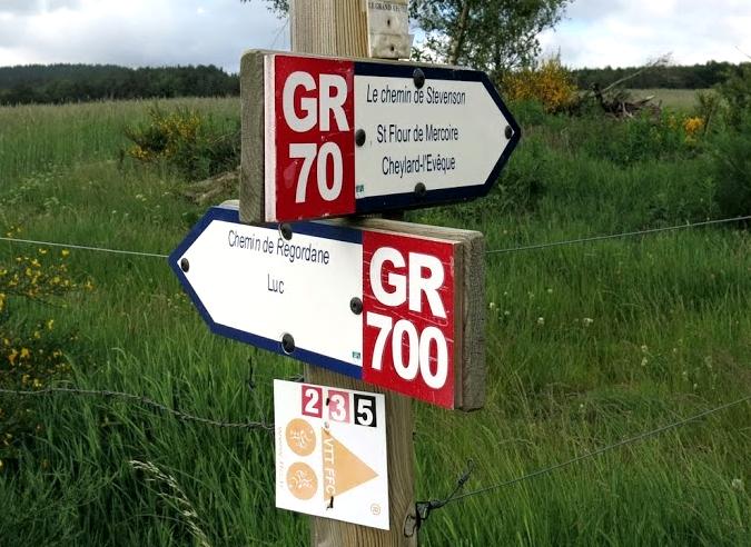 Le Chemin de Stevenson  GR® 70 avec une ânesse