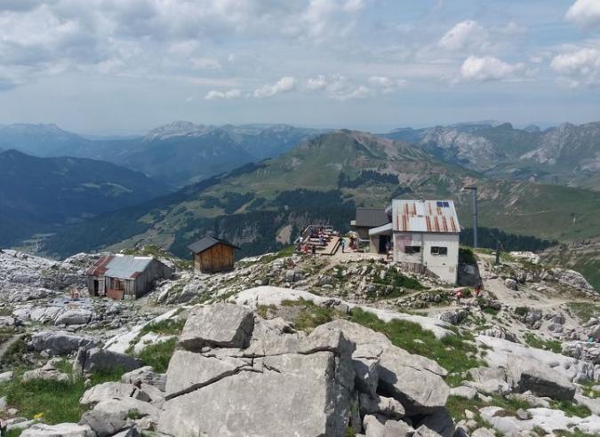 Le refuge de Pointe Percée – Gramusset (Haute Savoie) cherche un gardien